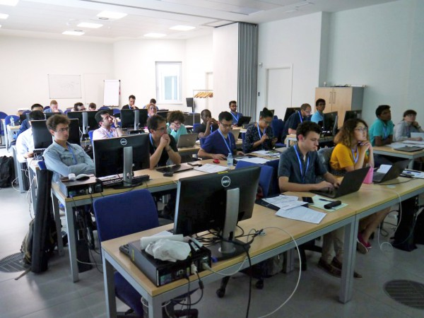 Room with participants at the AiiDA tutorial